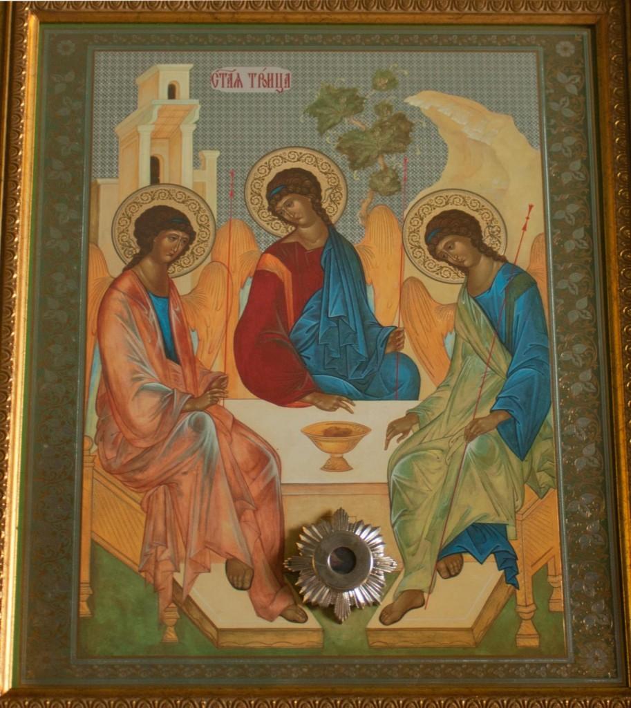 Икона «Святая Троица» с частичкой Мамврийского дуба